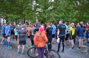 Donnerstags 19:30 Uhr versammeln sich die Läuferi